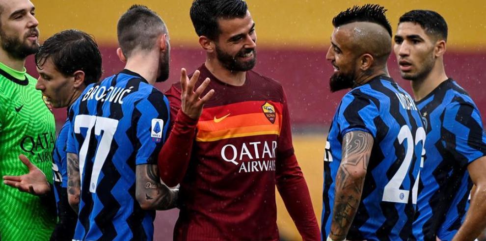 Roma e Inter hacen feliz al Milan