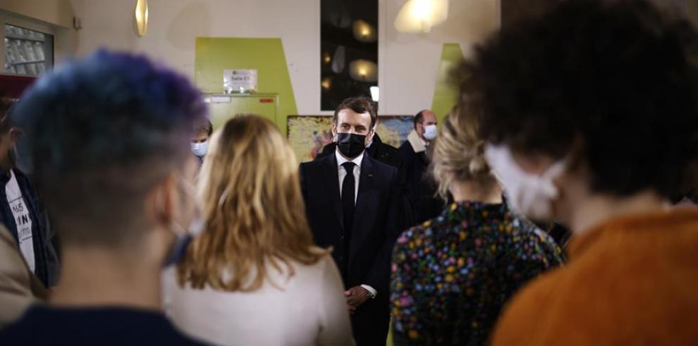 Macron quiere que los universitarios vuelvan a las aulas un día por semana