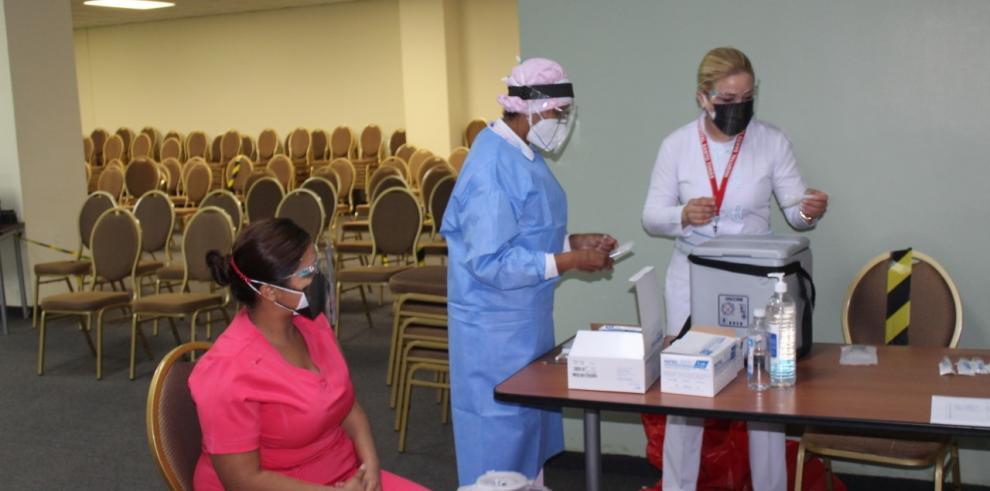 Dosis de la vacuna contra la covid-19 llegan al interior del país