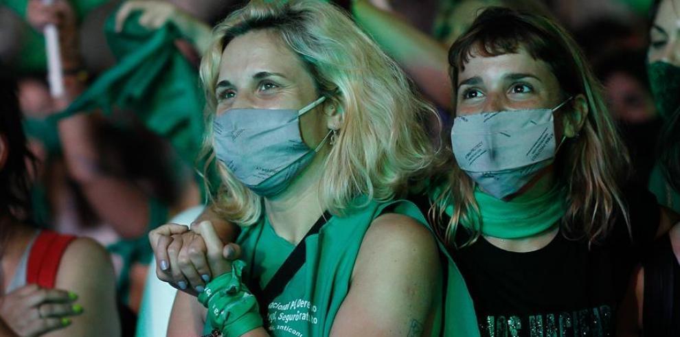 Entra en vigencia en Argentina la interrupción voluntaria del embarazo