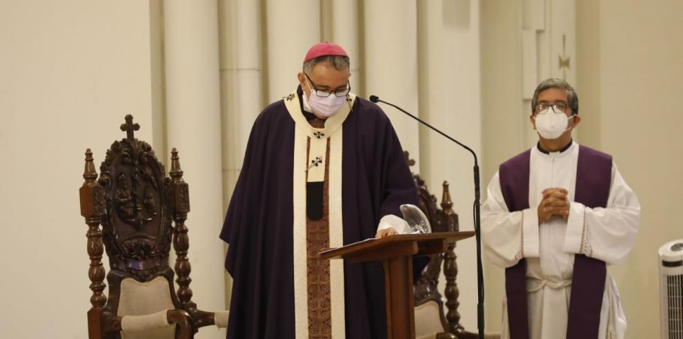 Monseñor José Domingo Ulloa