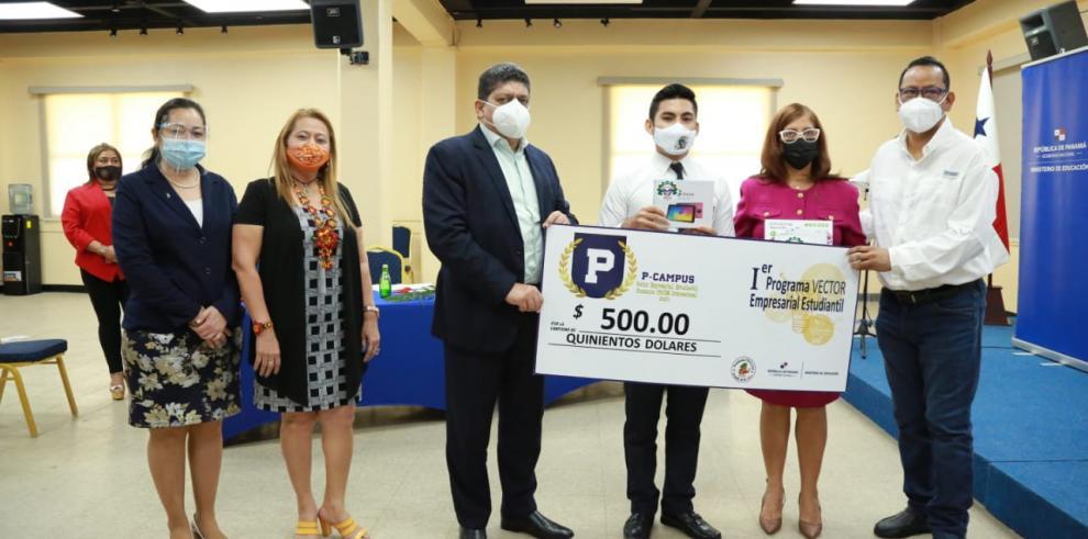 Meduca y Procem entregan reconocimiento a estudiantes emprendedores