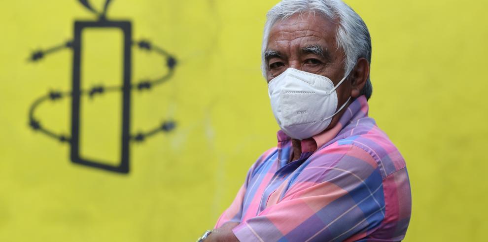 Jorge Pérez, trabajador de limpieza despedido de un hospital durante la pandemia