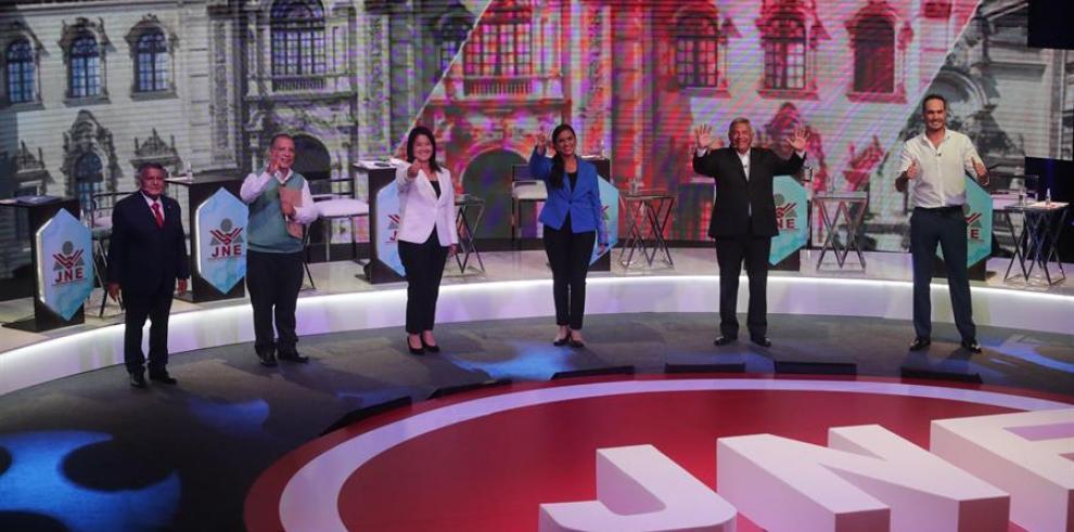 Verónika Mendoza y Keiko Fujimori protagonizan el primer día de debate en Perú