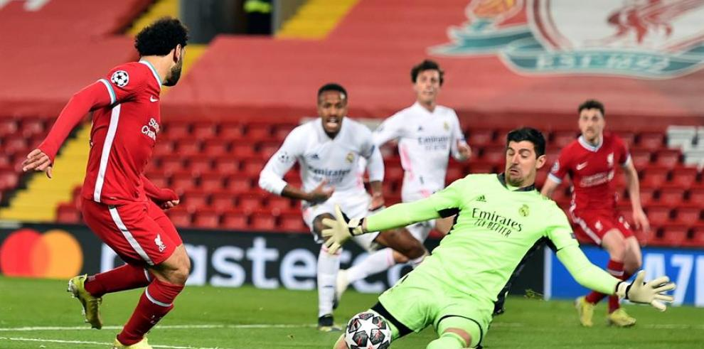 El Real Madrid empata en Anfield y accede a semifinales (0-0)