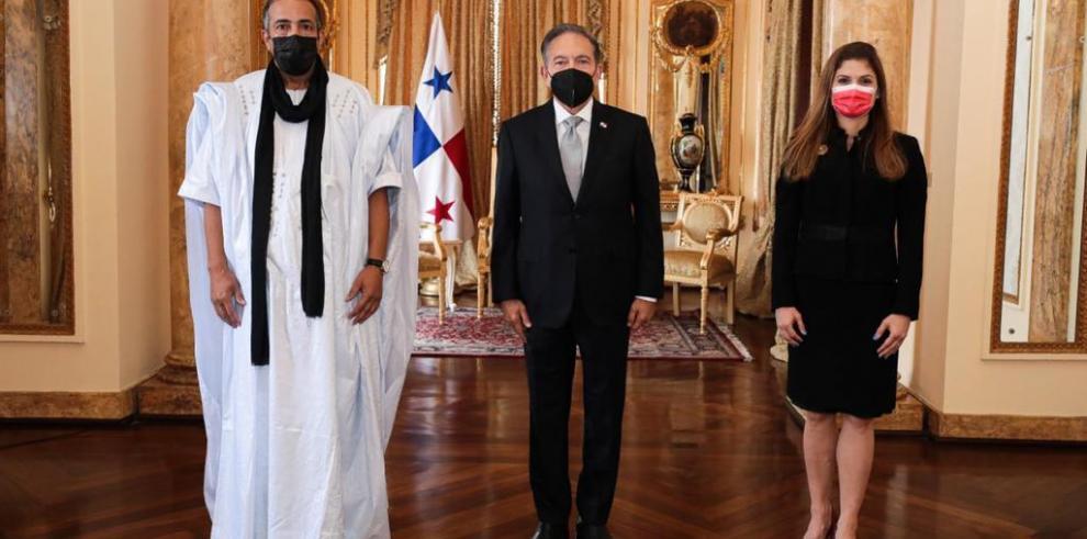 Embajadores presentan credenciales ante el Presidente Cortizo.