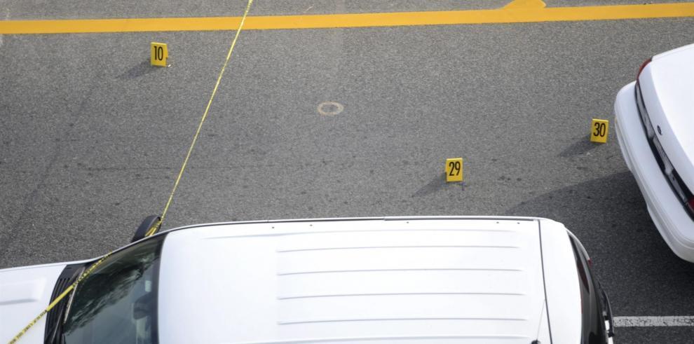 Cuando la policía llegó al lugar el pasado 8 de abril encontró señales de un tiroteo y dos personas con heridas de armas de fuego
