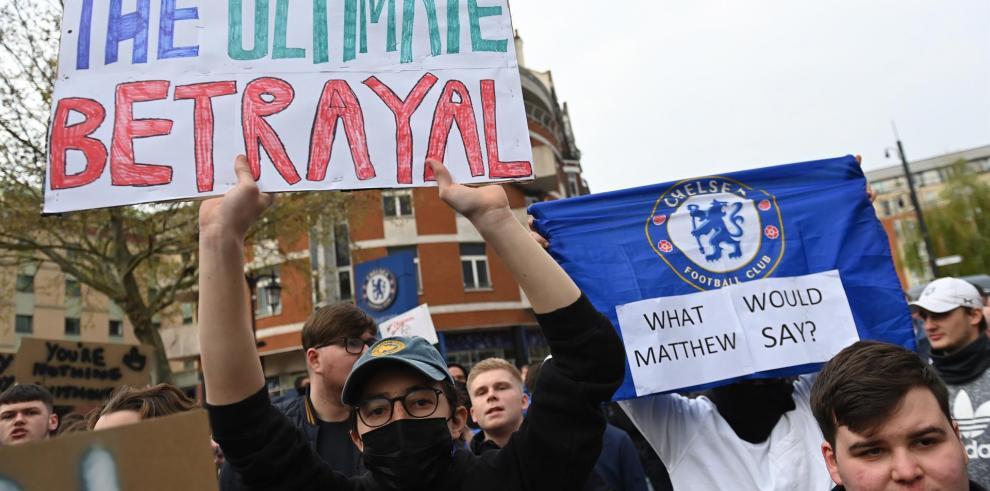 Chelsea aficionados