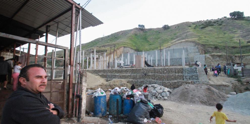 Migrantes de diferentes nacionalidades permanecen en el albergue del Templo cristiano Embajadores de Jesús