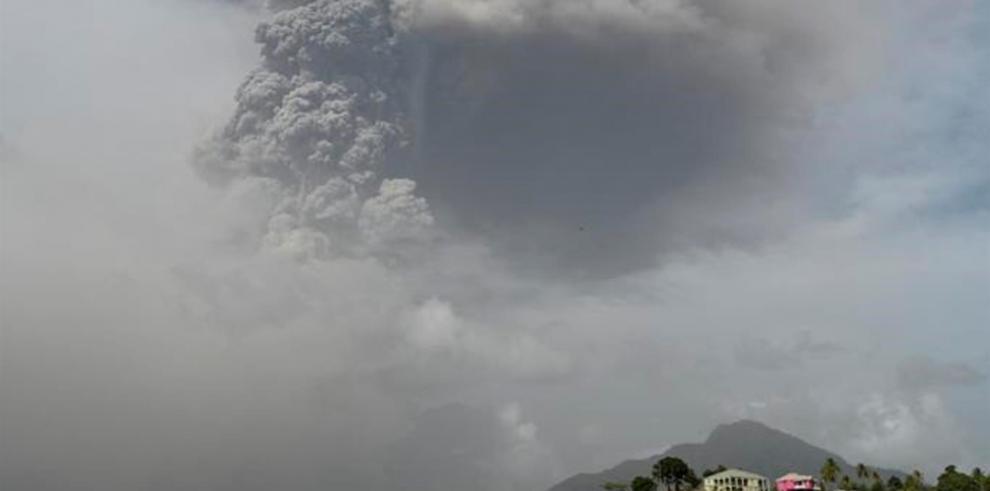 Panorama en San Vicente y Granadinas tras la erupción del volcán La Soufriere.