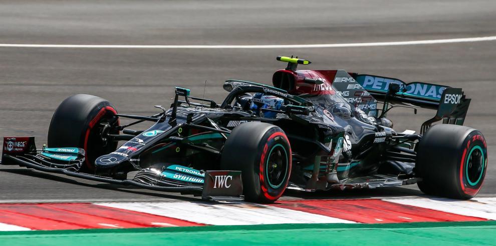 Bottas evita la 'pole' numero cien de Hamilton en Portimao