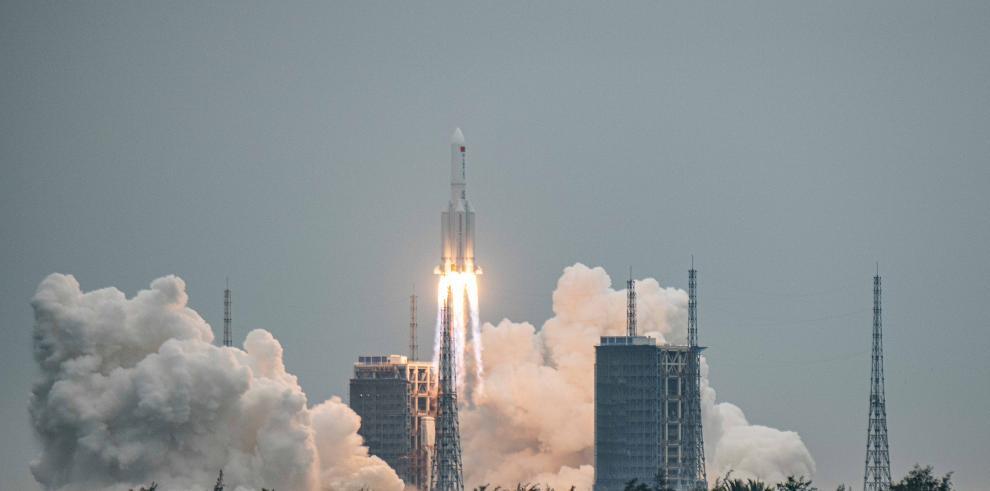 Varios organismos monitorean desde hace días el retorno a la atmósfera terrestre del gigantesco objeto espacial chino