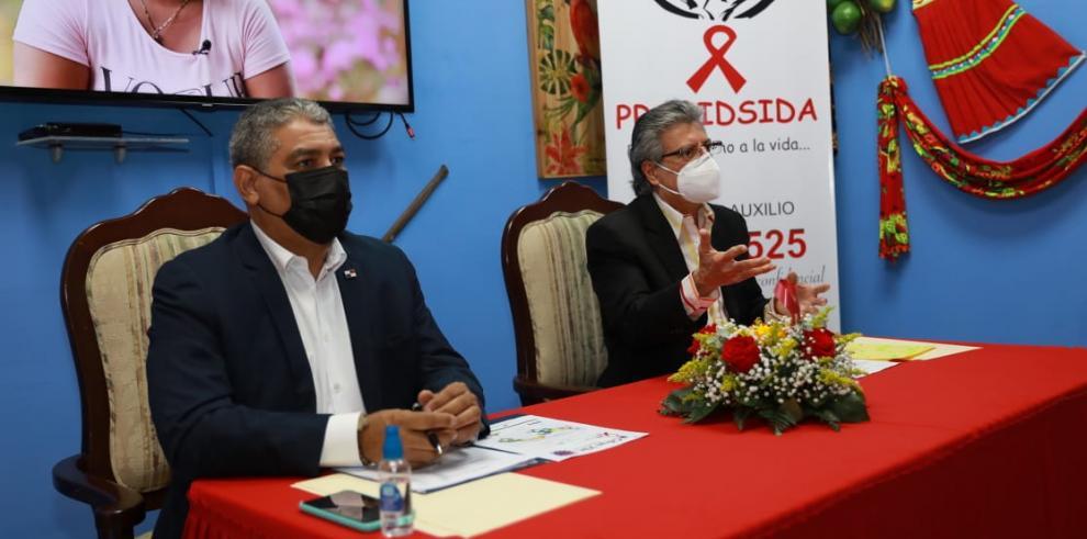 Luis Francisco Sucre, titular del Ministerio de Salud junto a Orlando Quintero, director ejecutivo de Probidsida