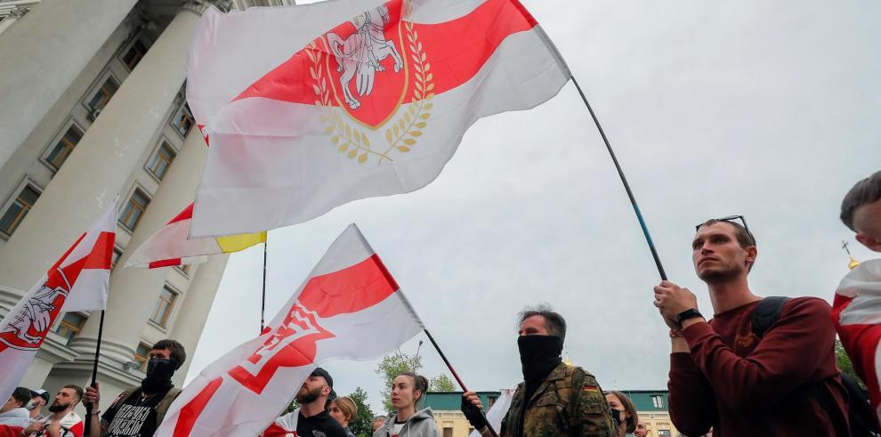 Protesta de bielorrusos residentes en Ucrania ante el ministerio de Asuntos Exteriores, contra la detención de periodista Roman Protasevich