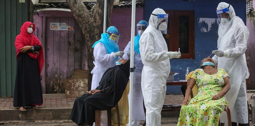 Arrestan a más de 600 personas por incumplir medidas anticovid en Sri Lanka