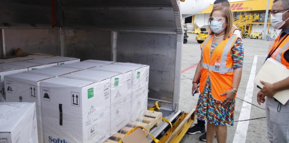 Llega a Panamá nuevo lote de vacunas de Pfizer con 109,980 dosis.