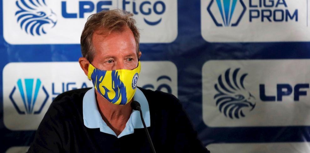 Gary Stempel, entrenador anglopanameño de fútbol