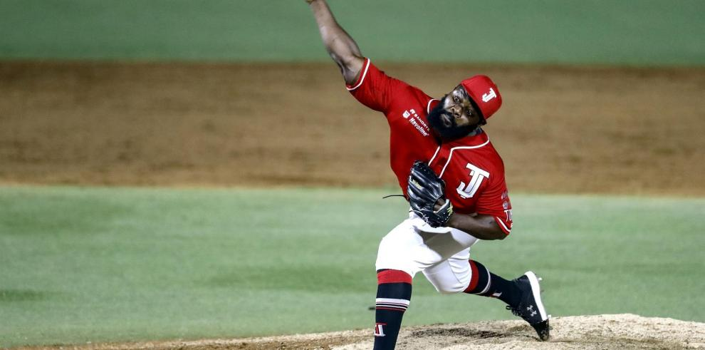 Fotografía cedida por Toros de Tijuana, del pitcher dominicano Fernando Rodney