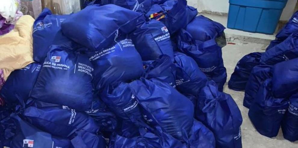 Fiscalía ordena la aprehensión de tres funcionarias en caso de bolsas de comida