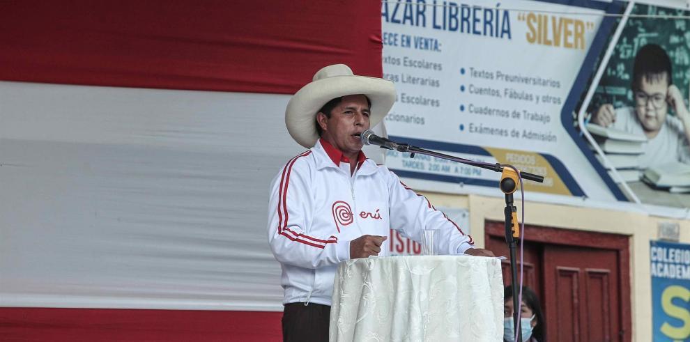 El 66 % de los peruanos afirma que Pedro Castillo ganó las elecciones en Perú