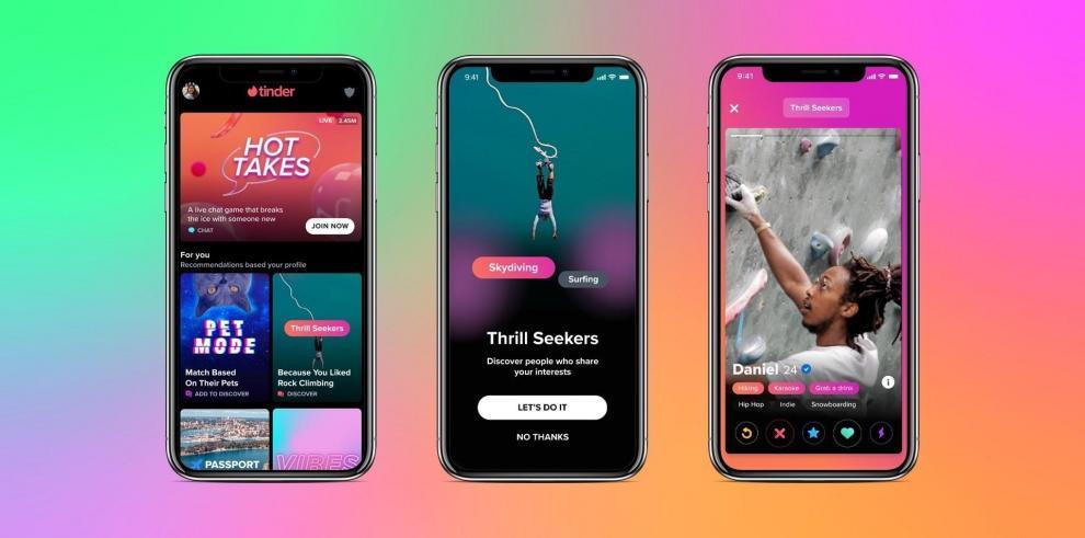 Aplicación de citas Tinder en la que se registraron varias pantallas de teléfonos inteligentes con vídeos de presentación