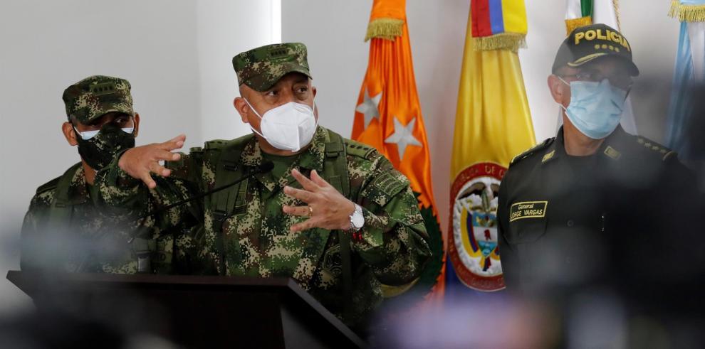 Luis Fernando Navarro (c)