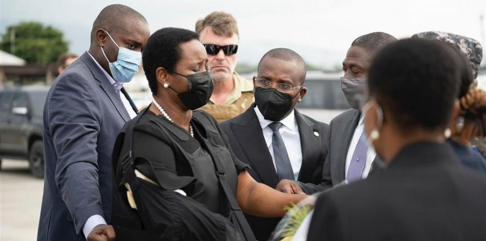 Fotografía cedida que muestra a Martine Moise, la viuda del presidente haitiano, Jovenel Moise