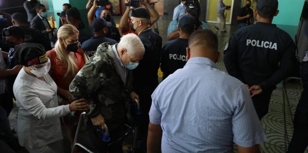 El expresidente Ricardo Martinelli a su llegada al Ministerio Público para el segundo día de juicio.