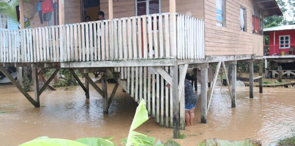 Lluvias del viernes afectan a 5,495 personas en Veraguas, Coclé, Herrera y Bocas del Toro