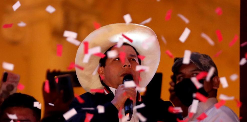 En su plan de gobierno, Castillo defiende cambiar el modelo neoliberal por una