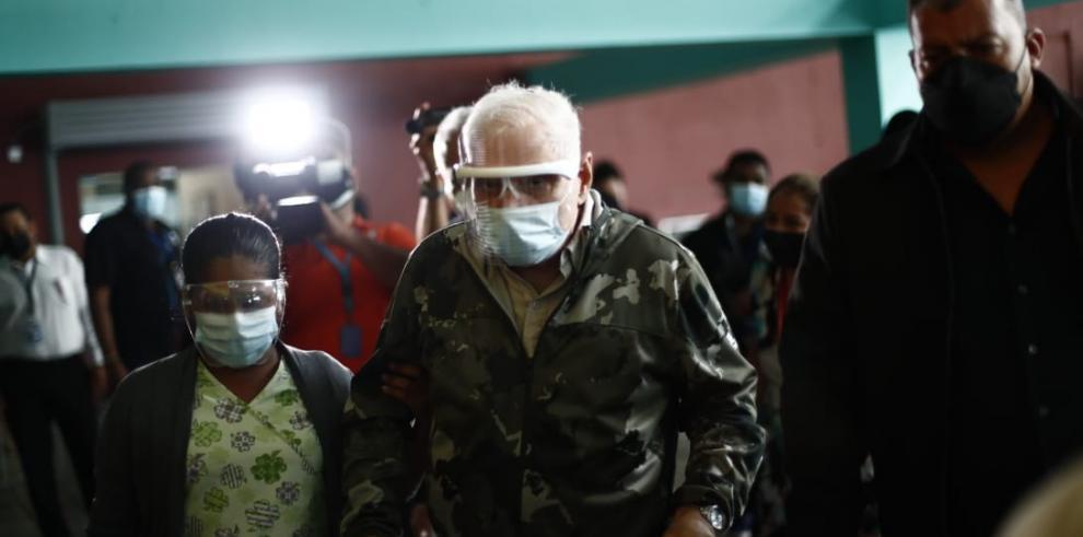 Caso 'pinchazos': exabogado de Juan Carlos Navarro se suma al equipo de querellantes