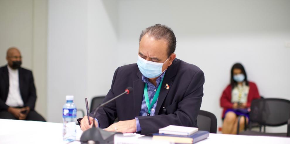 El Dr. Domingo Moreno