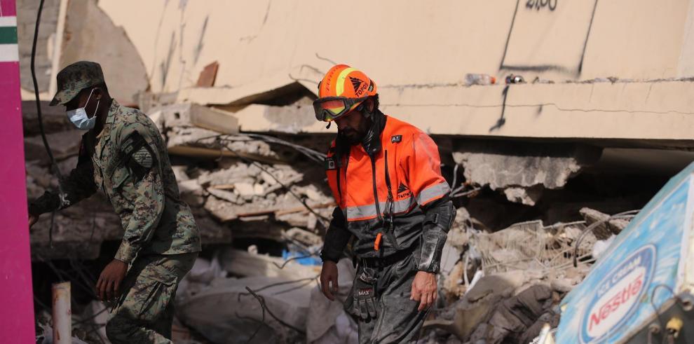Miembro de la Brigada Internacional de Rescate Topos