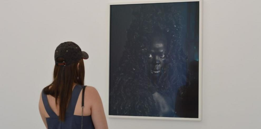 Hasta Aquí Era Agua: Fotografías en diálogo con historias de Santa Ana