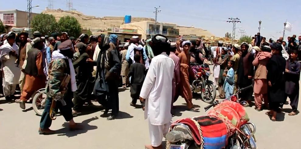 Mullah Hasan Akhund encabeza el nuevo gobierno talibán con Mullah Baradar como 'número dos'