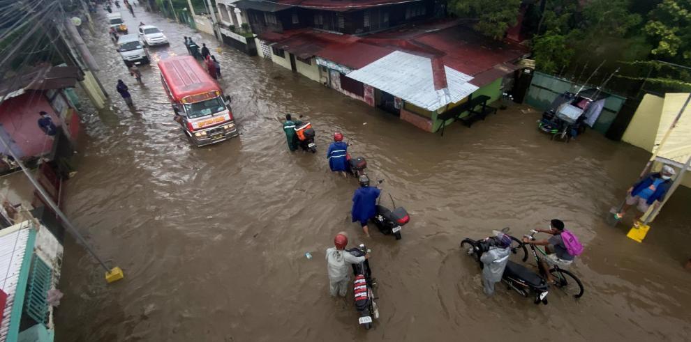 Tifón Conson en Filipinas