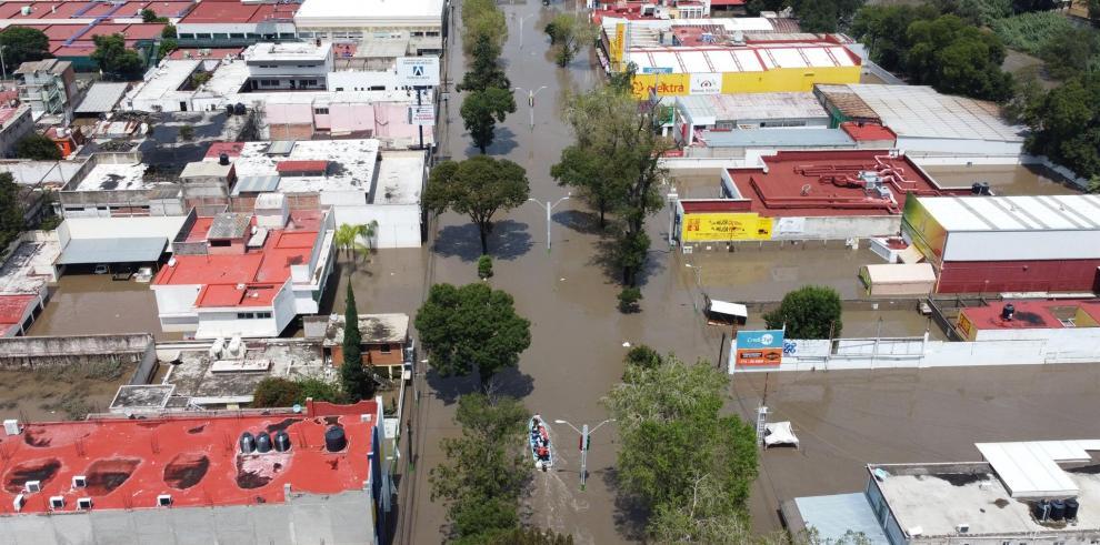 Fotografía tomada hoy con un dron que muestra las calles inundadas por fuertes lluvias, en la ciudad de Tula, estado de Hidalgo