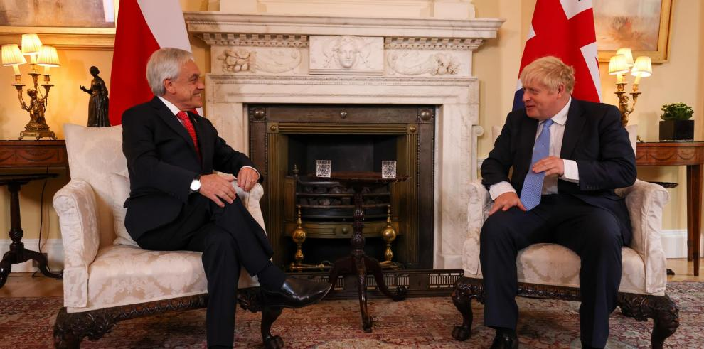 El presidente chileno Sebastián Piñera con el primer ministro británico Boris Johnson