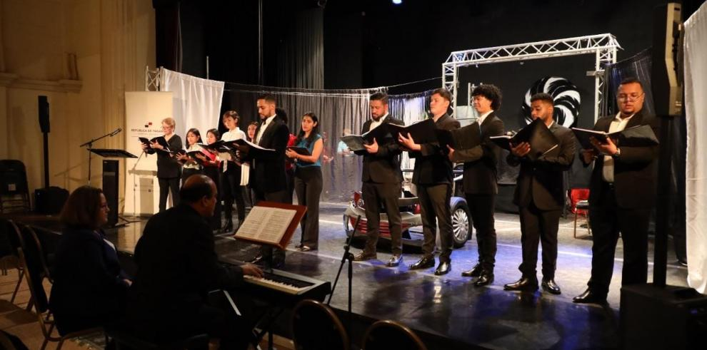 Jóvenes de la Red de Orquestas y Coros Juveniles del Ministerio de Cultura, MiCultura.