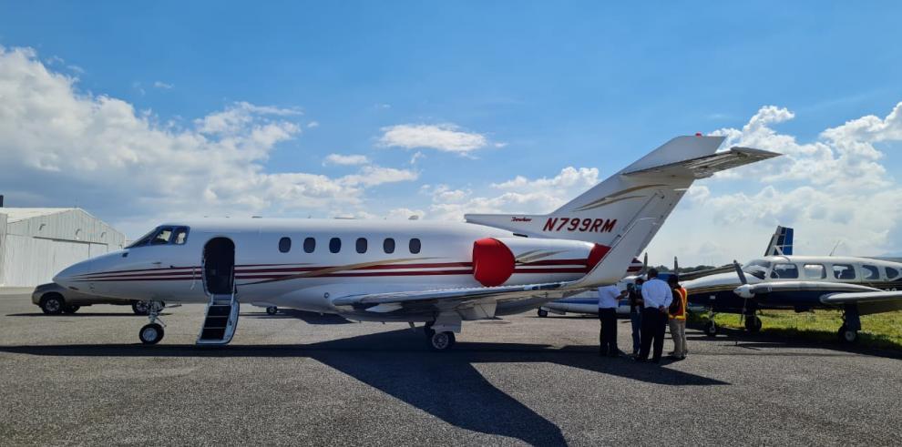 Ministerio Público de Guatemala incauta avión perteneciente al expresidente Ricardo Martinelli