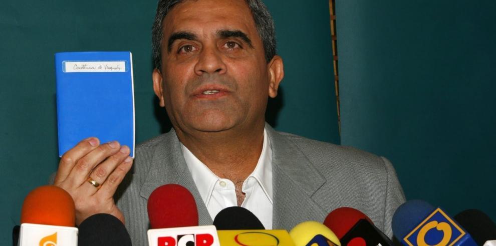 El exministro de Defensa venezolano Raúl Isaías Baduel, fallecido el 12 de octubre de 2021, en una fotografía de archivo. EFE/David Fernández