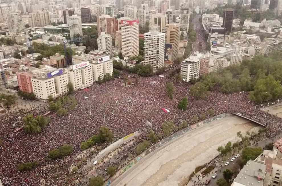 """Contra los """"abusos"""" y la desigualdad, Chile protesta"""