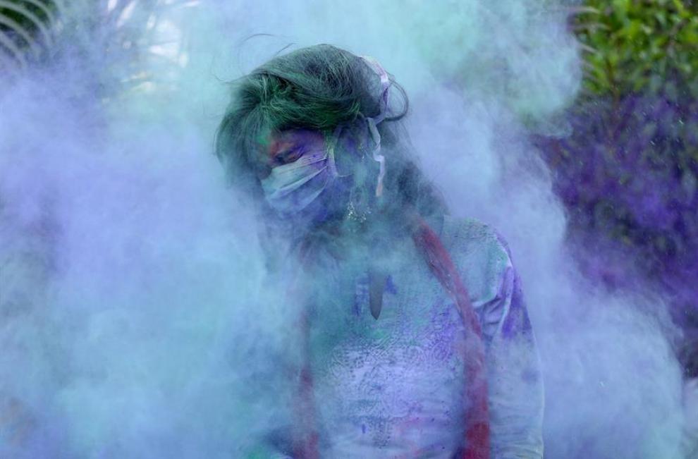 Holi es un festival de origen religioso que se celebra principalmente en la India y otros países en los que habitan grandes comunidades Hindúes