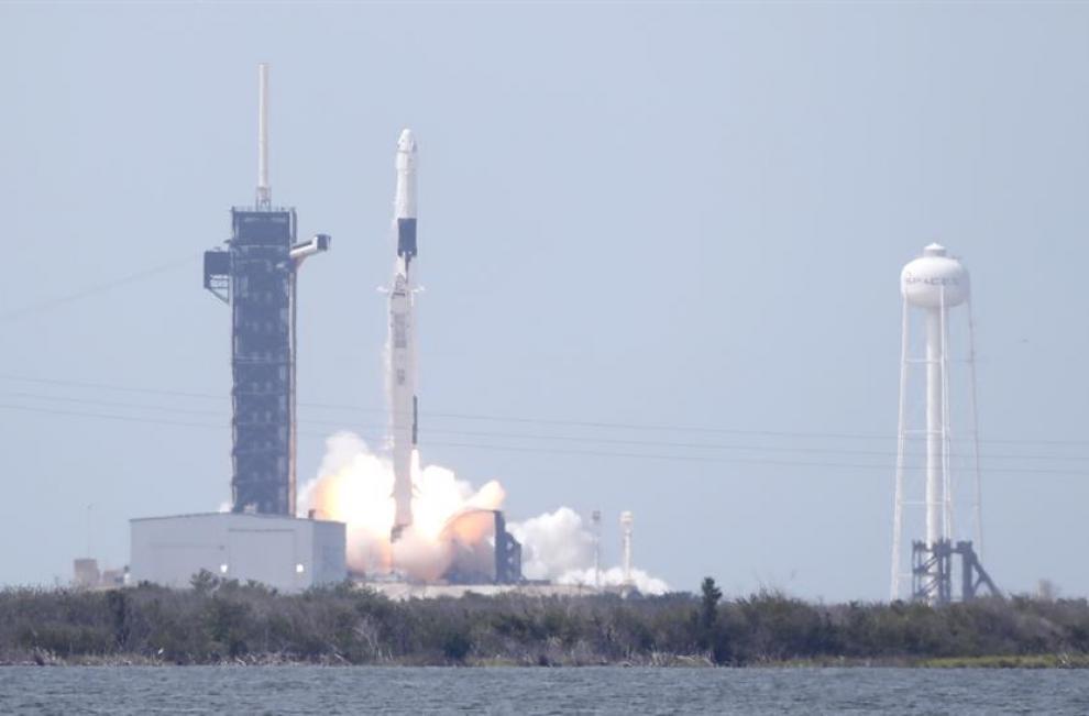 Los astronautas permanecerán en la EEI entre 6 y 16 semanas, durante las que pondrán a prueba los sistemas de la cápsula Crew Dragon con la que tendrán que retornar sanos y salvos a casa, tras lo cual comenzarán las misiones operadas por compañías privada