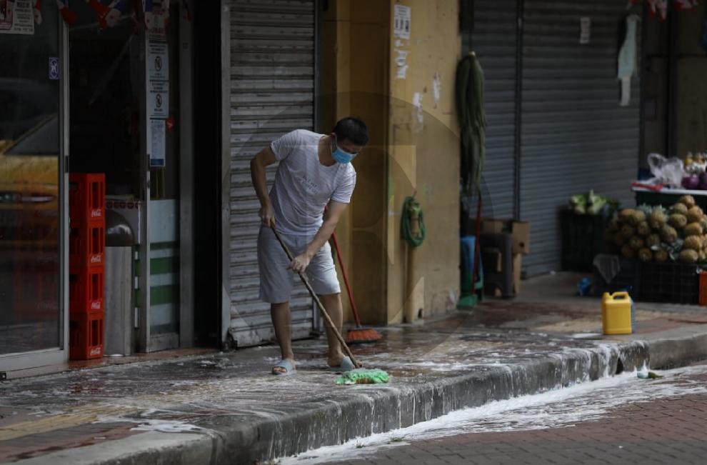 Panameños salen a las calles en busca del pan
