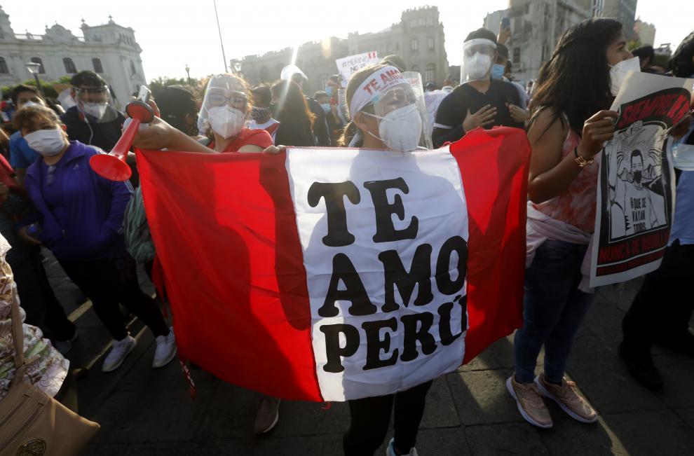 La 'generación del Bicentenario' en Perú tumba a Merino
